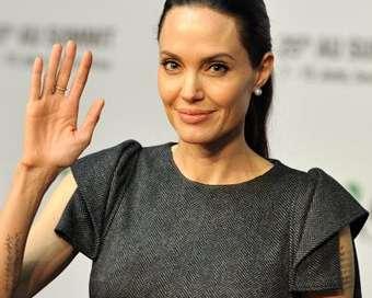 Анджелина е големият кошмар на съпругите в Холивуд