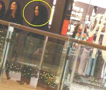 Маги Желязкова си пазарува в мола