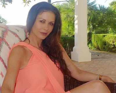47-годишната Катрин Зита-Джоунс показа перфектна ...