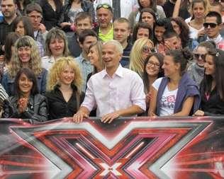 Нашествие на адвокати и близнаци в X Factor
