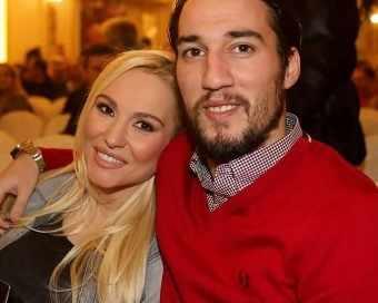 Елена Паришева и Ивелин Попов станаха родители на момиченце