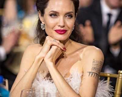 Анджелина Джоли неразпознаваема блондинка