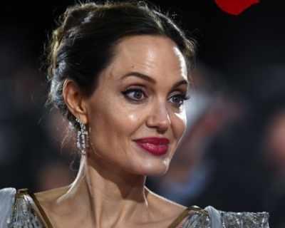 Анджелина Джоли съблазнила Брад Пит, вмъквайки се в ...