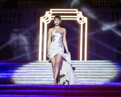 Бела Хадид в ролята на кралица на Римските нощи