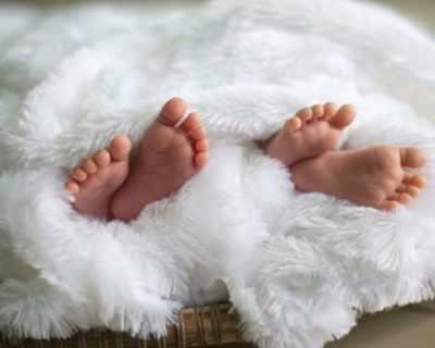 Жена с две утроби роди близнаци месец след първото ...