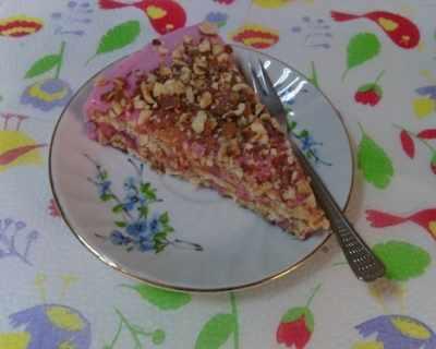 Бърза тортичка с вкус на малини и ягоди