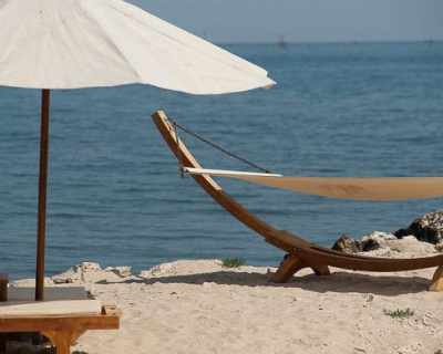 С шум на море и ухание на топъл пясък