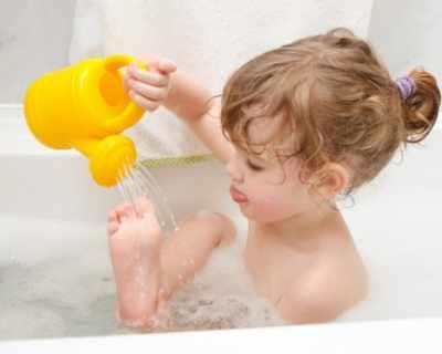 Как да направите къпането на децата по-забавно?