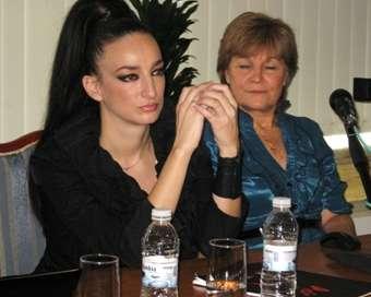 Деси Тенекеджиева в обща мисия с Том Круз