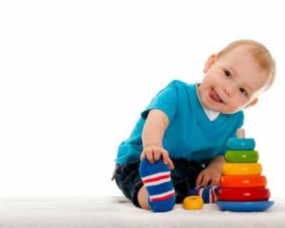Бебетата не трябва да бъдат заобиколени от много ...