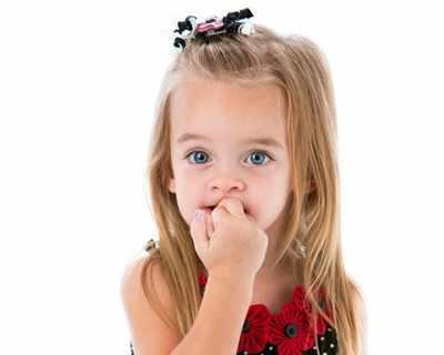 Детето ви си гризе ноктите - как да постъпите?