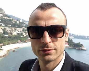 Димитър Бербатов пак награждава успели българчета
