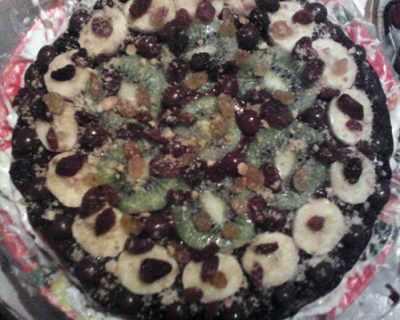 Домашна новогодишна шоко торта с плодове и сметана