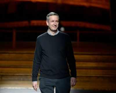 Дрис ван Нотен продаде акциите на марката си