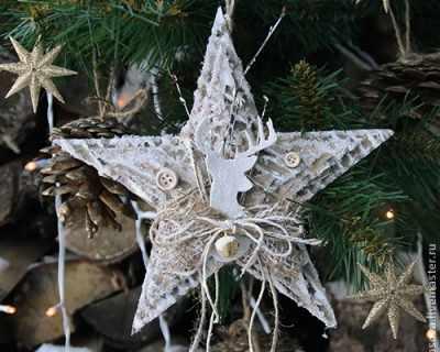 Коледни звезди от картон от кашон