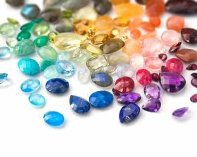 Влияние на скъпоценните камъни