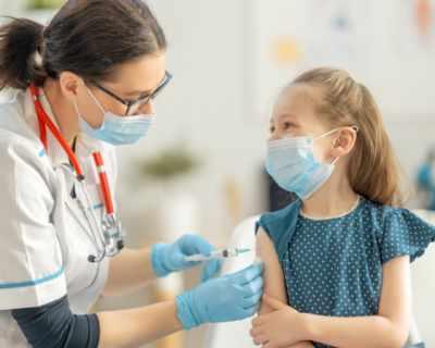 Ваксината на Pfizer и BioNTech е безопасна за деца на възраст 5-11 г.