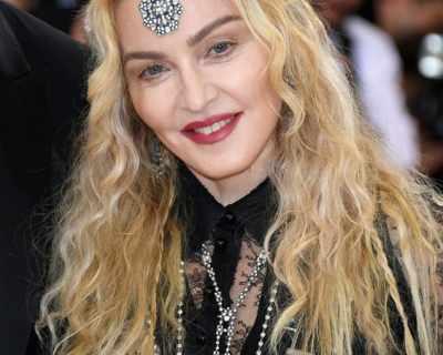 Мадона разгневена, че ще снимат биографичен филм за ...