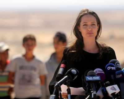 Анджелина Джоли е много притеснена за първата си ...