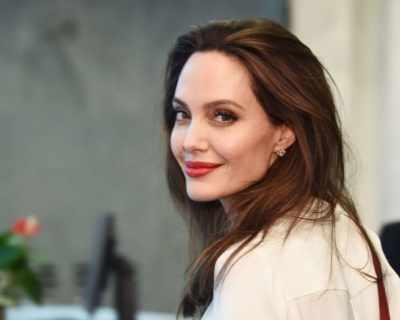 Как Анджелина Джоли учи децата си на феминизъм