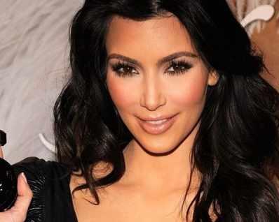 Ким Кардашиян пуска нов парфюм след седем години ...
