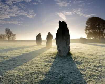 Когато сте в Англия: каменните кръгове на Ейвбъри