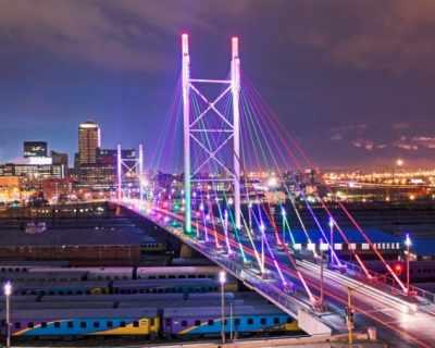 Не е трудно да се влюбиш в цветния Йоханесбург!