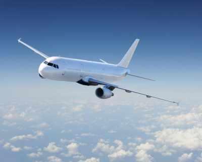 Авиокомпании ще ни плащат, за да летим с тях
