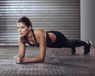 Какво се случва с тялото ни, ако правим планк всеки ден?