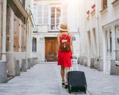 Как да пътуваш с малко, но ефективни дрехи през лятото