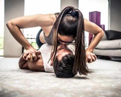 11 упражнения, които да правиш с гаджето си вкъщи