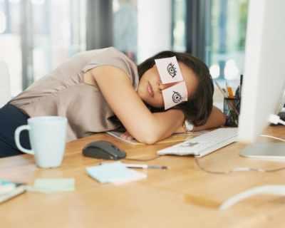 Защо в понеделник се чувстваме по-изморени, ...
