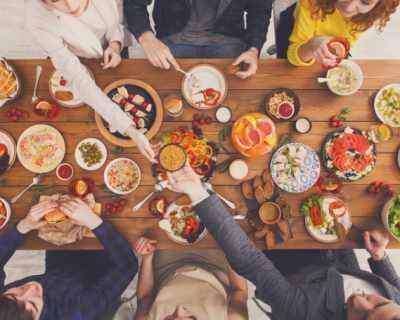 Храната е по-вкусна в красиви чинии