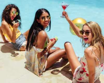 Ела този уикенд на Cosmo Pool Party!