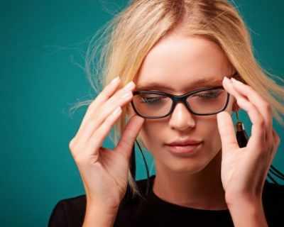 Заменете контактните лещи с очила