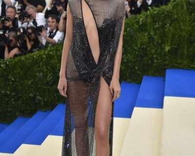 Кендъл Дженър е най-високоплатената манекенка за ...