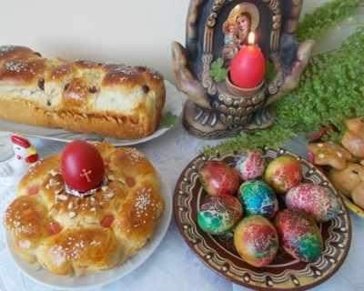 Великденски козунаци от едно тесто