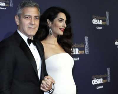 Versace обелче бременната Амал Клуни