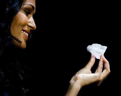 Продадоха най-големия необработен диамант в света ...