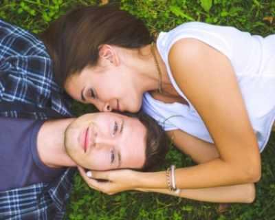 Влюбването е хормонален коктейл, действащ като ...
