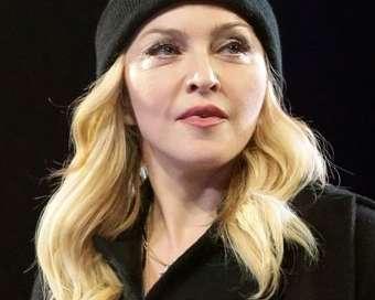 Мадона официално заряза пеенето