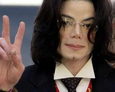 """Майкъл Джексън е """"най-скъпата"""" покойна знаменитост"""