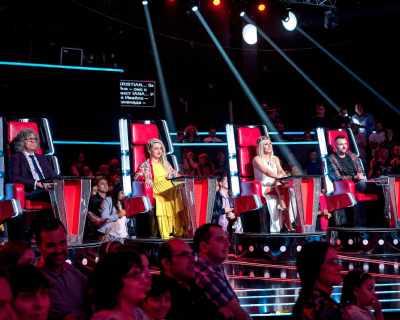 """Менторите пеят на сцената на втория жив концерт на """"Гласът"""""""