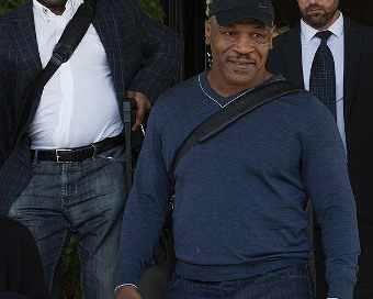 Майк Тайсън вече пристигна в България