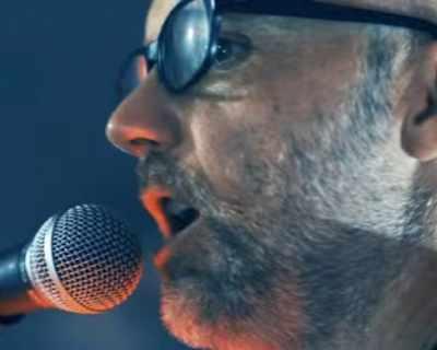 Музикантът Moby показа бунта си срещу Тръмп в нови си ...