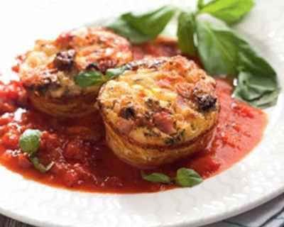 Мъфини от спагети с доматен сос