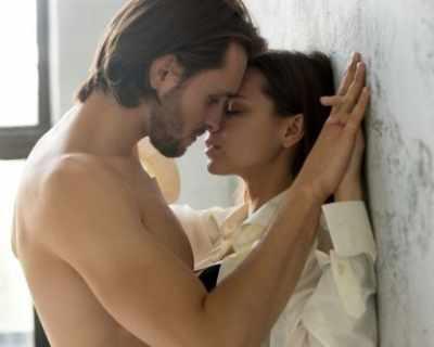 Упътване за нетолкова романтични целувки
