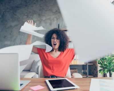 5 трика как да се отнасяш към работата, която не обичаш
