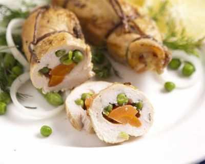 Пилешки рулца със зеленчуци
