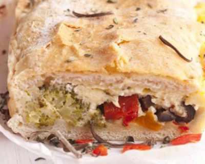 Пирог  от готово тесто, броколи, сирене и маслини